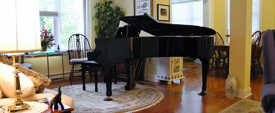 Apartment Living room with Piano