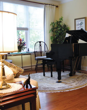 Fringetree apartment – room for a piano!